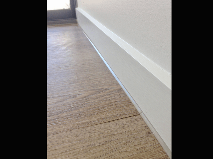 Internal Silicone to Skirting