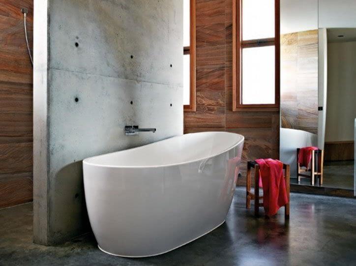 Internal Silicone around Bathtub